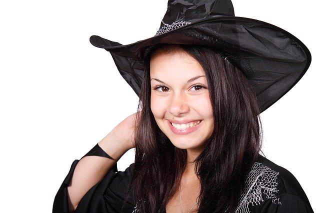 Halloween Hexen Kostüm selbst nähen